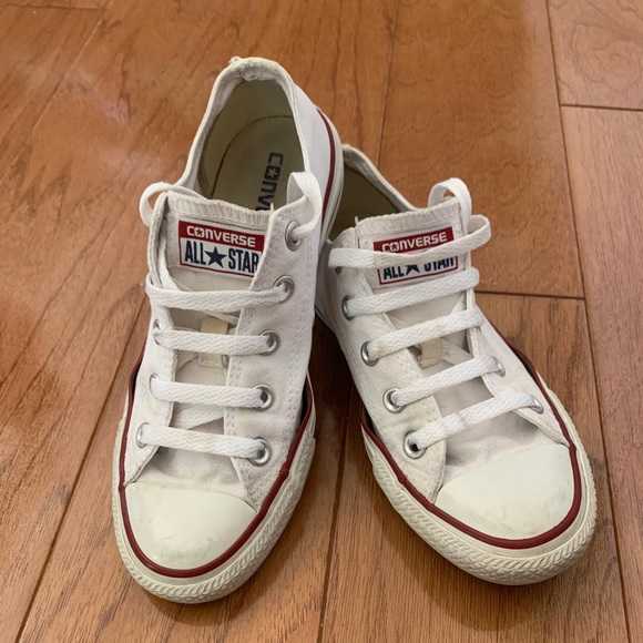 Converse Shoes | White With Red Stripe